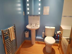 A bathroom at Arbel