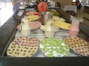 Breakfast options available to guests at Veredas do Rio Quente Flat