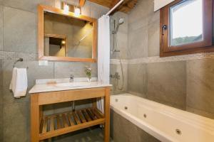 Un baño de Departamento 4 ambientes en barrio cerrado