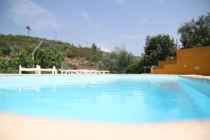 A piscina em ou perto de Aldeia Oliveiras