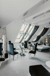 The fitness center and/or fitness facilities at Coco Chanel Boutique Apartment