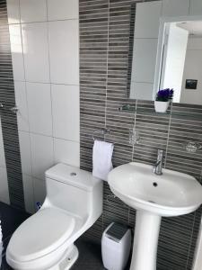 Un baño de Luxury Inka Apartments
