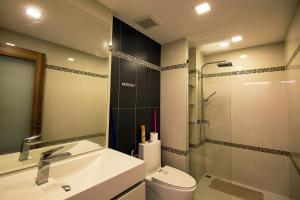 Ванная комната в Sanctuary Wongamat Apartment 1-Bedroom