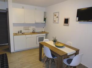 A kitchen or kitchenette at Apartmani Berno