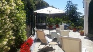 A restaurant or other place to eat at Le Cicale - Apartments