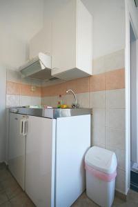 A kitchen or kitchenette at Anna Studio
