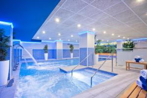The swimming pool at or near Sunset Beach Club Hotel Apartments