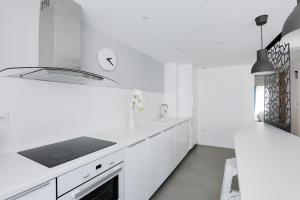 A kitchen or kitchenette at Naeva Feng Shui