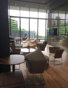 Лаундж или бар в 泰国芭提雅BAAN PLAI HAAD CONDO