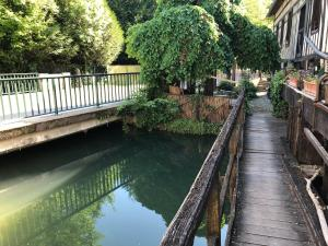 The swimming pool at or near La Residence du Moulin