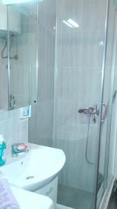 A bathroom at Apartment Marsala Tita