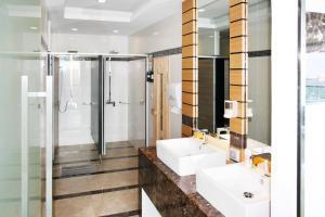 Ванная комната в Wong Amat Beach Tower