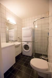 A bathroom at Norwegian Housing, Solbakkeveien 12