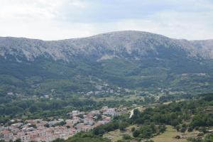 A bird's-eye view of Ljiljana i Kristina