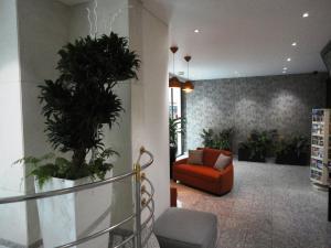 The lobby or reception area at Résidence Alma Marceau