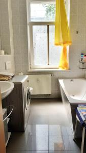 Ein Badezimmer in der Unterkunft Apartment Karin