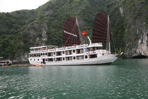 Du thuyền Deluxe Oriental Sails Hạ Long