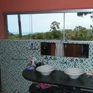 A bathroom at Recanto Beija-Flor