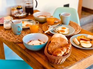Breakfast options available to guests at DT Loft