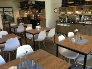 Restauracja lub miejsce do jedzenia w obiekcie Villa Nautica