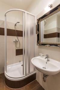 Ένα μπάνιο στο All4you Apartments