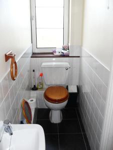 A bathroom at 6 Downpatrick, The Headlands, Sarsfield Road