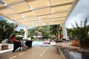 A restaurant or other place to eat at Residence Hotel La Giara
