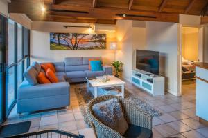 A seating area at Whalers Cove Villas