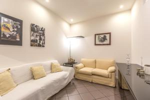 Area soggiorno di Farini Love - The Place Apartments