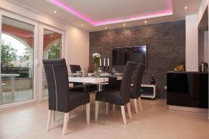 Zona business o sala conferenze di Apartments Adriapag
