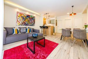 A seating area at Ema 2BR apt. in old town centre