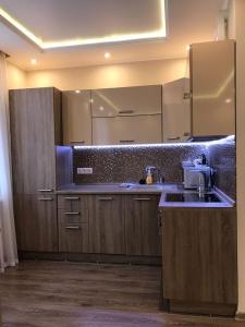 A kitchen or kitchenette at AERO 11