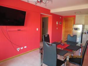Una televisión o centro de entretenimiento en FAM bariloche