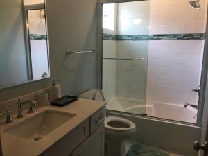 A bathroom at Resort Getaway