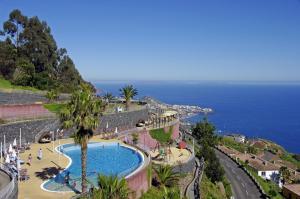 Uma vista da piscina em Village Cabo Girao ou nas proximidades