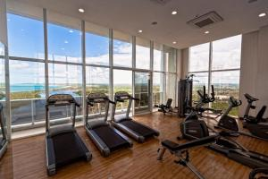 The fitness center and/or fitness facilities at Flat Edifico Paiva Homestay Apt 405