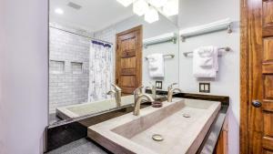 A bathroom at 707 2nd Avenue House