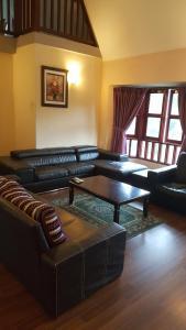 A seating area at Anba@Villa Dahlia