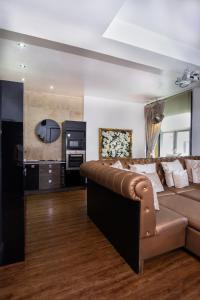 A seating area at Signature Living Bold Street