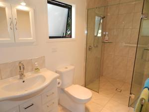 A bathroom at Studio @14 - Motueka