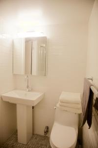 A bathroom at 36th Street Midtown East Luxury Duplex Apartment