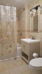 A bathroom at Grand View