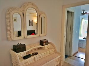 A seating area at Sunny Nerja Apartments