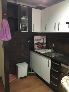 Una cocina o zona de cocina en Departamento Maravilloso 1