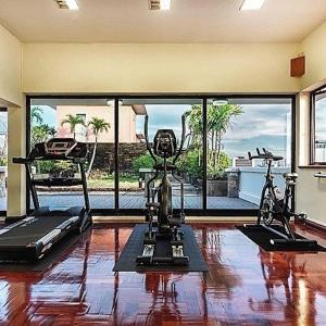 The fitness centre and/or fitness facilities at The Capital Mansion