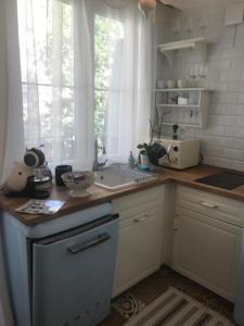 Küche/Küchenzeile in der Unterkunft Stare Miasto Miodowa 26