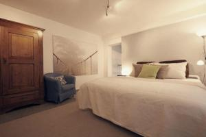 A bed or beds in a room at Apartment in Unterbach