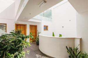 The lobby or reception area at Barracart Apartments