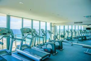 The fitness center and/or fitness facilities at Executive Beachfront Apt by Hostrelax GCRDI0E