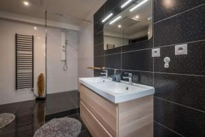 Kúpeľňa v ubytovaní Apartmanica Panorama 35C
